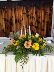 Head table arrangements